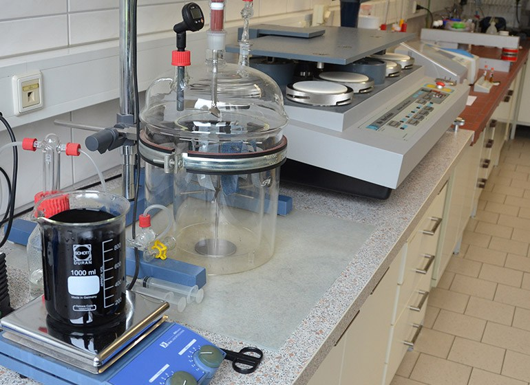 Labor zum Testen von Farbe und Bleiche an Stoffmustern