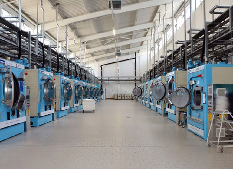 Neue Wasch- und Färbemaschinen bei JOKER